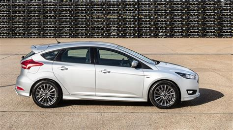 Ford Focus Stline (2017) Review By Car Magazine