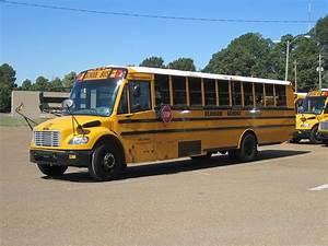 File:Durham school bus depot Shelby Oaks Dr Memphis TN 01 ...