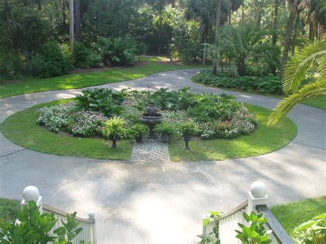 landscaping a circular driveway landscape design dempsey land design