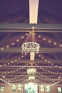 Kronleuchter Aufhängen Anleitung : hula hoop chandelier with icicle lights google search ~ Lizthompson.info Haus und Dekorationen