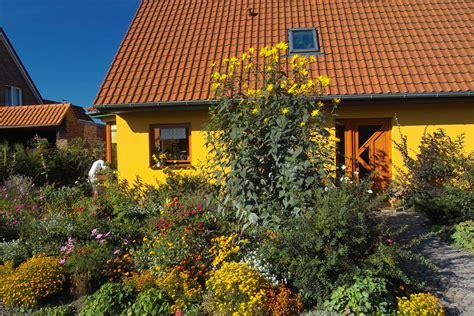 Kleine Gärten Ganz Groß by Kommen Ganz Gro 223 Raus Stauden F 252 R Kleine G 228 Rten Das