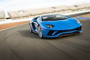 Lamborghini Aventador 2018 : 2018 lamborghini aventador s front three quarter in motion 06 motor trend ~ Medecine-chirurgie-esthetiques.com Avis de Voitures