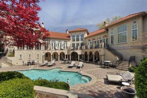 20 Stunning Mediterranean Mansions From Around The World