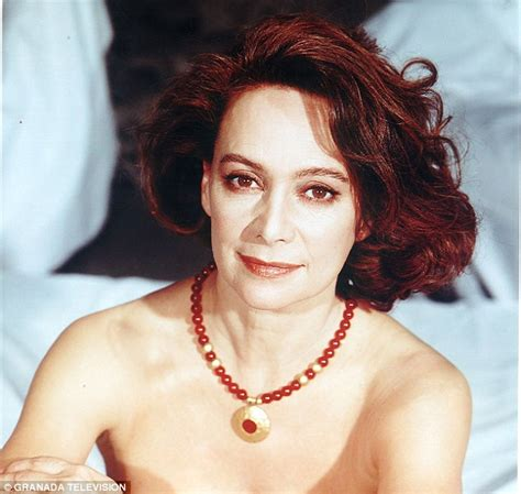 Nackt Francesca Annis  Search Icon