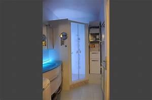 salle de bains vasque eclairee grace a du ruban led pose With ruban led miroir salle de bain