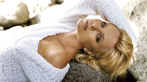 charlize theron  wallpapers hd wallpapers id