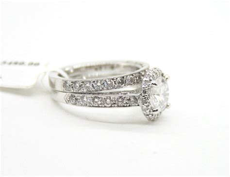 tacori 18k white gold wedding ring with 1 01ct dia the center 1 20ct dia the