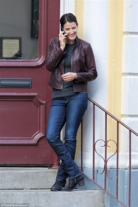 cast of jack reacher never back down cobie smulders on set of jack reacher sequel starring tom