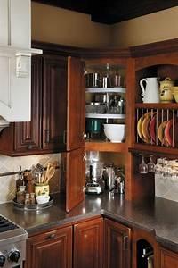 corner cabinets 715