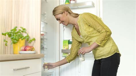 Storing And Thawing Breast Milk