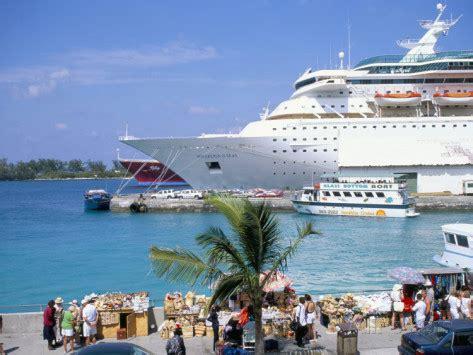 cruise  nassau bahamas sandy toes