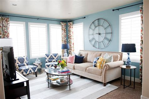 5 Reasons To Layer Living Room Rugs Neil S Carpet Cleaning Maui World Lubbock Texas Tuftex Pattern On Stairs Play Mats For Cars How To Replace Laminate Change Wooden Floor Chico And Upholstery Install Transition