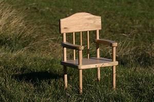 Petite Chaise Bebe 1 An : l 39 atelier de lucie jouets et objets en bois toilettes s ches nouveaut s ~ Teatrodelosmanantiales.com Idées de Décoration
