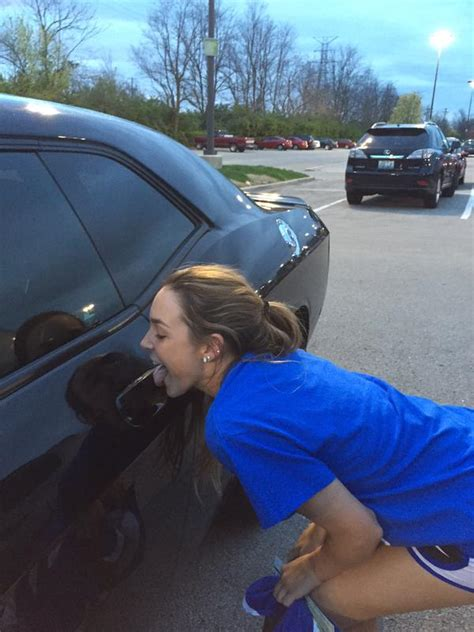 kentucky fans  licking devin bookers car door