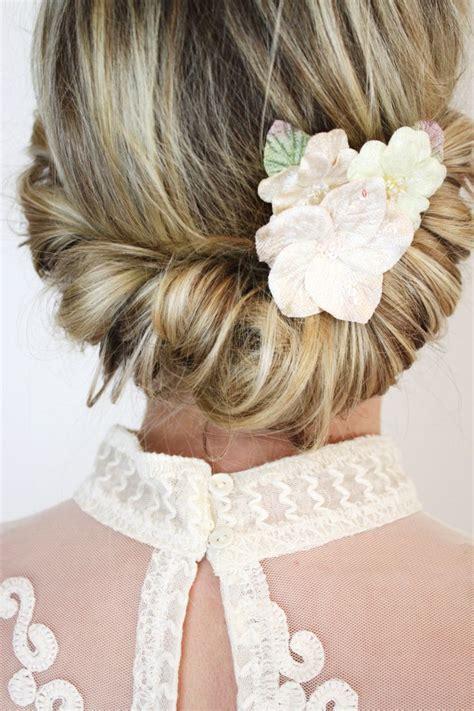die  besten ideen zu frisuren mit haarband auf