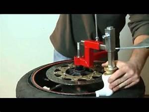 Machine A Pneu Moto : motofun d colle demonte pneus manuel moto youtube ~ Melissatoandfro.com Idées de Décoration