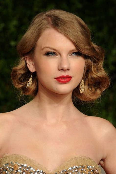 Taylor swift dress, Katy perry dress, Wedding makeup