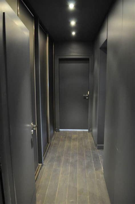 Idee Deco Couloir Gris Et Blanc Une D 233 Co En Gris Blanc Et Framboise Par Aur 233 Lie Hemar