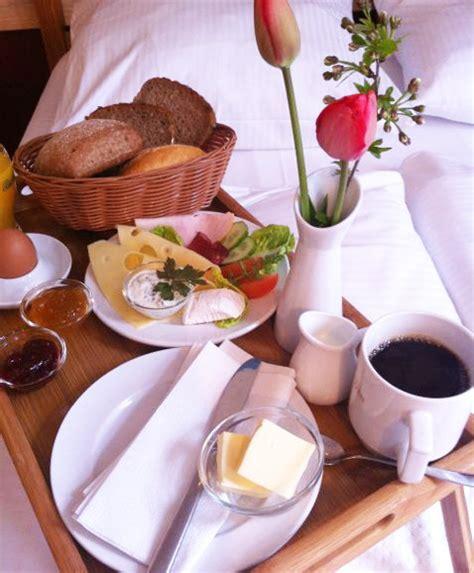 Zu Zweit Im Bett by Fr 252 Hst 252 Ck Im Bett Ostsee Hotel Gutshof Bastorf Gutshof