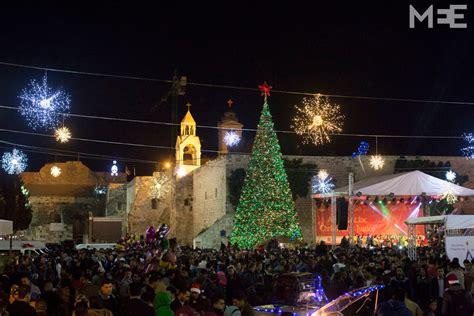 palestinians celebrate christmas  bethlehem