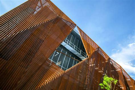 perforated steel corten facade   liverpool telephone service center  morelia michoacan