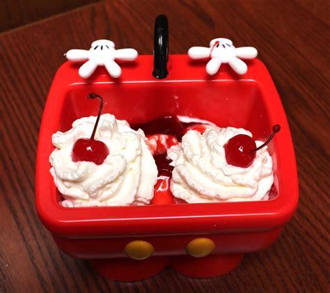 kitchen sink drama something pooh enjoyed 10 foods to eat at disneyland and disney california