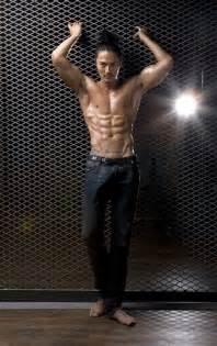 jo dong hyuks muscular body lines  revealed