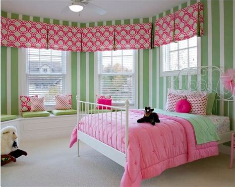 girls room pink  green window treatments