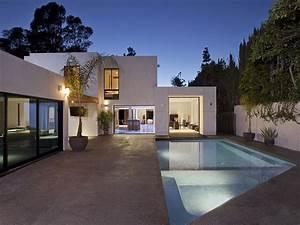 World of ArchitectureModern Beverly Hills HouseWood
