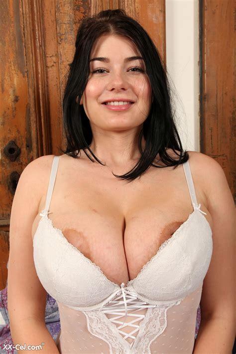 Lucy Li Big Boobs Photos