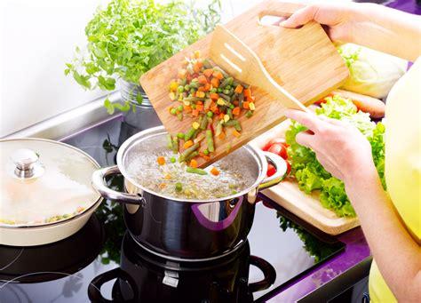 comment faire la cuisine comment faire une soupe de légumes fiche technique