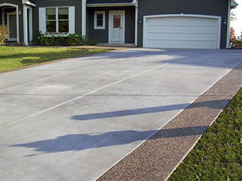 driveway borders gray brushed concrete driveway with exposed aggregate borders outdoors pinterest concrete