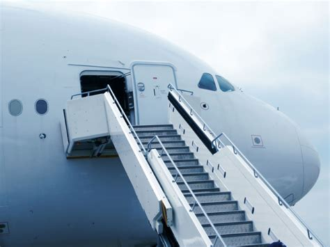 build  onboarding plan    hire inccom