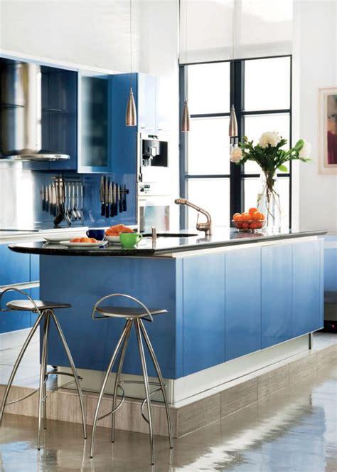 interieurs avec des decors aux couleurs vives cuisine