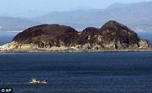 North Korea threatens to turn Seoul's palace into 'sea of ...