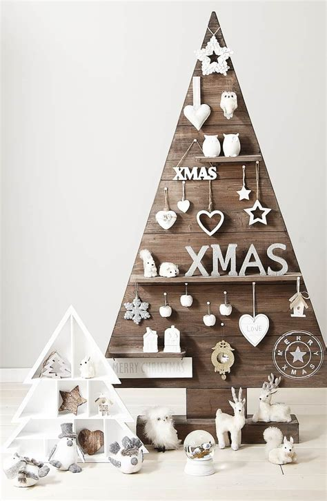 christmas wooden decorations 25 ideas of how to make a wood pallet tree