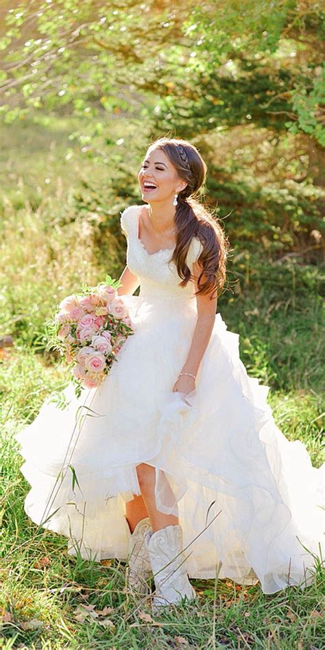 country style wedding dresses top 25 ideas about country wedding gowns on country wedding dresses country western
