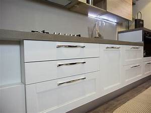 cucina moderna shabby vintage con penisola mobile in offerta Cucine a prezzi scontati