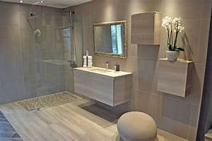 salle de bain moderne en bois tres nature meuble et With salle de bain design avec décoration de salle à manger moderne
