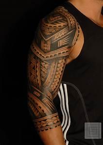 Tattoo Homme Bras : photo tatouage polynesien bras kolorisse developpement ~ Melissatoandfro.com Idées de Décoration