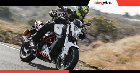 Review Benelli Tnt 15 by Benelli Tnt 25 Ride Review Bikewale
