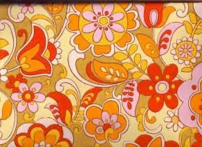Papier Peint Retro 70 by Vintage 1970s Wallpaper Orange And Pinks Price Is Per