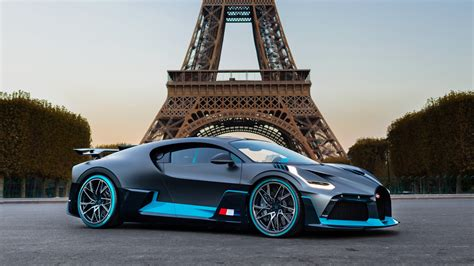 Bugatti Divo In Paris Wallpaper