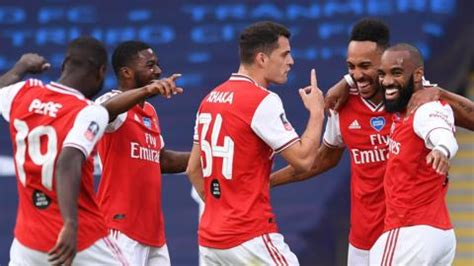 """""""Aubameyang does what he does"""" Kieran Tierney nails it ..."""