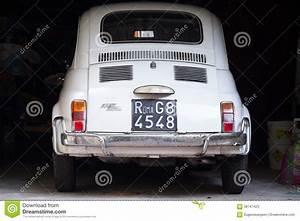 Fiat Garage : old white fiat 500 l car stands in dark garage editorial stock photo image 58747423 ~ Gottalentnigeria.com Avis de Voitures