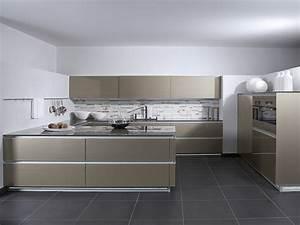 Schöne Küchen Bilder : horizon accento vitrin ingwermetallic ~ Michelbontemps.com Haus und Dekorationen