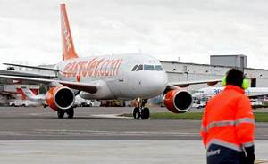 Easy Jet Paris Nice : disabled woman sues easyjet after being ordered off plane because she was a 39 safety risk ~ Medecine-chirurgie-esthetiques.com Avis de Voitures