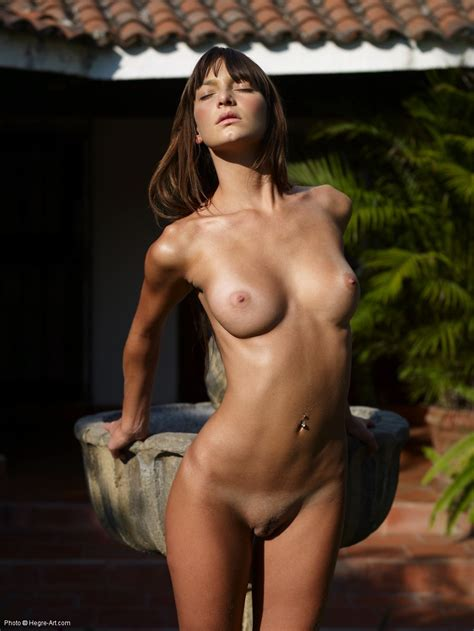 Erotic Nude Flora By Hegreart Photos Erotic Beauties