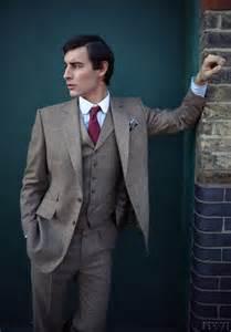 2017 Latest Coat Pant Designs Grey Tweed Formal Mens Suit Slim Fit Simple Modern Custom Men Tuxedo 3 Piece Terno Hoome F48