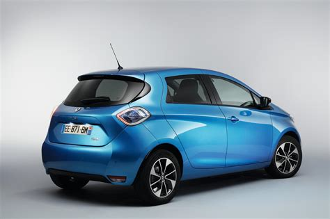 renault zoe renault zoe electric new record driving range of 250